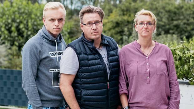 Auch sie wurden Opfer des Erpressers: Leon, Thomas und Anja Rissmayer (v.l.)