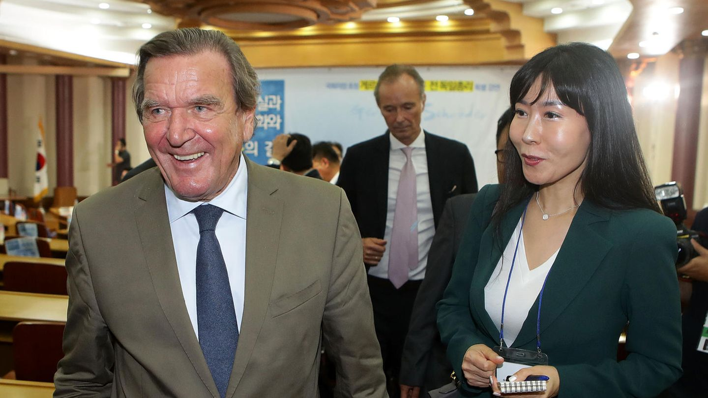 Gerhard Schröder und seine neue Freundin Soyeon Kim