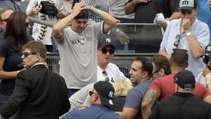 Fassungslosigkeit bei den New York Yankees, als das kleine Mädchen von dem Ball getroffen wurde