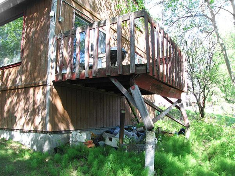 In Anchorage, Alaska, sollte man sich das Haus zuerst gründlich von außen ansehen, bevor man es wagt, das Gebäude zu betreten.