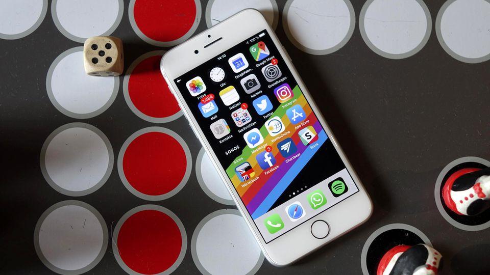 Das iPhone 8 sieht von vorne aus wie die drei Vorgänger.