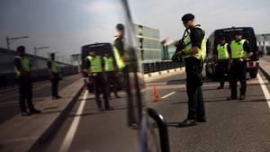 """Die katalanische """"Mossos d'Esquadra"""" am Flughafen von Barcelona: ab sofort der Guardia Civil untergeordnet"""