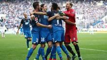 Jubeltraube in Hoffenheim: Die TSG schlägt Schalke und setzt sich oben fest