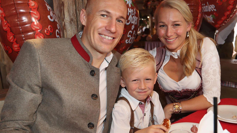 Wiesn 2018: FC Bayern besucht mit Spielerfrauen das