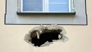 Durch dieses Loch in der Wand sind die drei Männer entkommen