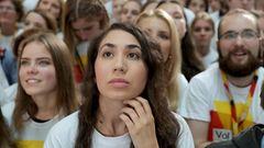 Lange Gesichter gibt es auch bei der Wahlparty der CDU in Berlin - sie kommt der aktuellen Hochrechnung zufolge auf 33,3 Prozent