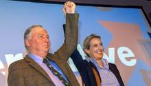 Die AfD-Spitzenkandidaten Alexander Gauland und Alice Weidel in Siegespose