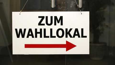 Steigende Wahlbeteiligung: Es treten wieder mehr Bürger den Weg in das Wahllokal an