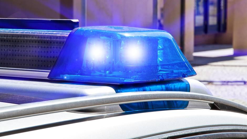 Streit zwischen Hamburger Rentner-Ehepaar endet tödlich: Frau sticht Ehemann nieder