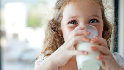 Frische Vollmilch im Test: Gute Milch von glücklichen Kühen - gibt's sowas?