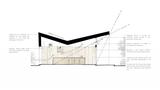 Die Faltung des Daches sorgt für einen höheren Energieeintrag durch die Sonne, führt aber auch zu offenen und hohen Räumen.