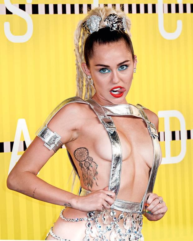 "Immer bunt, immer provokant: Miley in der ""Wrecking Ball""-Phase 2015"