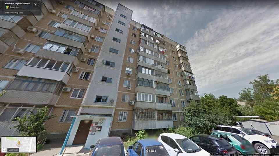 Ein altes Haus in Krasnodar: Hier soll das Paar gemordet haben