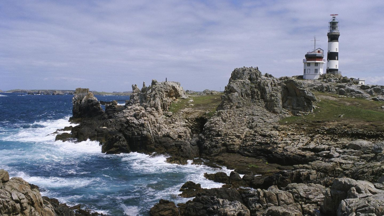 Fünf Leuchttürme warnen auf der Île d'Ouessant vor den gewaltigen Strömungen rund um die Insel