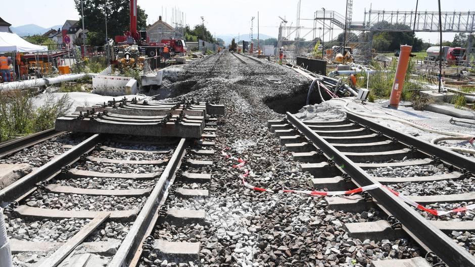 Alltäglicher Anblick: Warum liegt unter Gleisen eigentlich so viel Schotter?