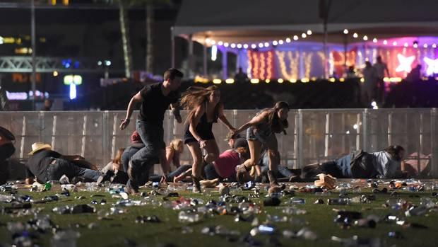 Schießerei auf Musikfestival: Mindestens zwei Tote, 24 Verletzte - ein Verdächtiger außer Gefecht - die Lage in Las Vegas