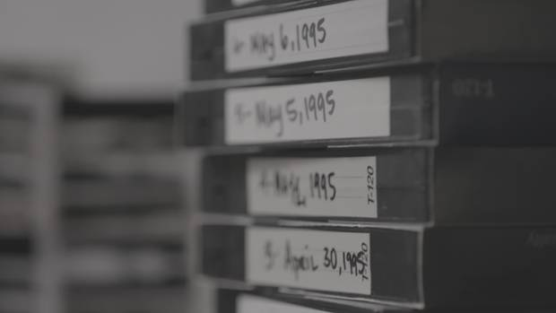 The Confession Tapes: Ein Stapel VHS-Kassetten