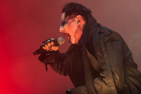 News des Tages: Von zwei Riesen-Pistolen verletzt - Marilyn Manson sagt neun Konzerte ab