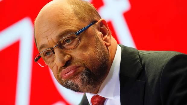 Raus aus der Verantwortung und rein ins Vergnügen: Als Martin Schulz am Wahlabend den Gang in die Opposition verkündete, juchzten und jubelten die Genossen in der Parteizentrale.