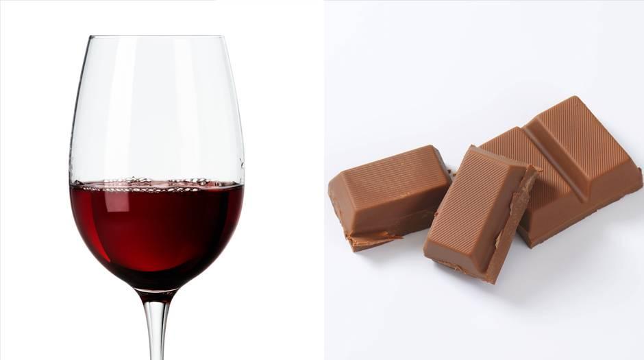 Rotwein  125 Milliliter Rotwein mit einem Alkoholgehalt von 13 Vol.% bringen es auf rund 101 Kilokalorien. Dieselbe Menge steckt auch in einem Riegel Milchschokolade (107 Kilokalorien).