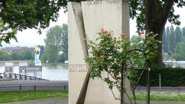 Das Mahnmal der Deutschen Einheit in Mainz: In der rheinland-pfälzischen Landeshauptstadt wird der 27. Jahrestag der Wiedervereinigung gefeiert