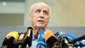 Albrecht Glaser (AfD) zog mit seinen Äußerungen Kritik auf sich, will aber trotzdem fürs Bundestagspräsidium kandidieren