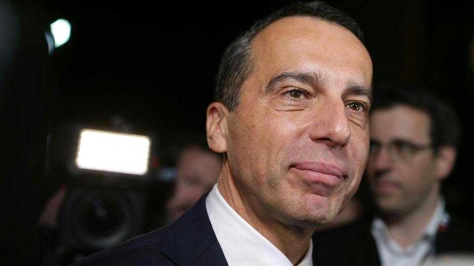 Der Blick nach vorn ist bang: Die SPÖ von Christian Kern ist massiv unter Druck geraten. Und in zwei Wochen wird gewählt