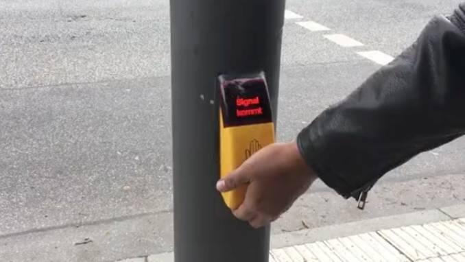 Nützliche Funktion: Dafür gibt es den versteckten Knopf unter der Ampelarmatur