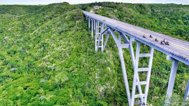 Die Bacunayagua-Brücke zwischen Havanna und Varadero – eine der letzten Etappen der Motorradreise