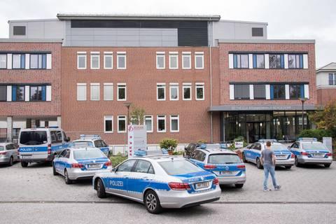News des Tages: Messerangriff in Psychiatrie: Polizisten erschießen 45-Jährigen