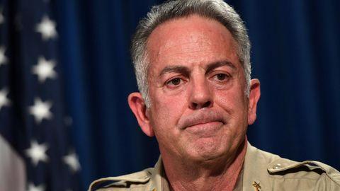 Handelte Massenmörder Stephen Paddock wirklich allein? Sheriff Joseph Lombardo hat daran seine Zweifel.