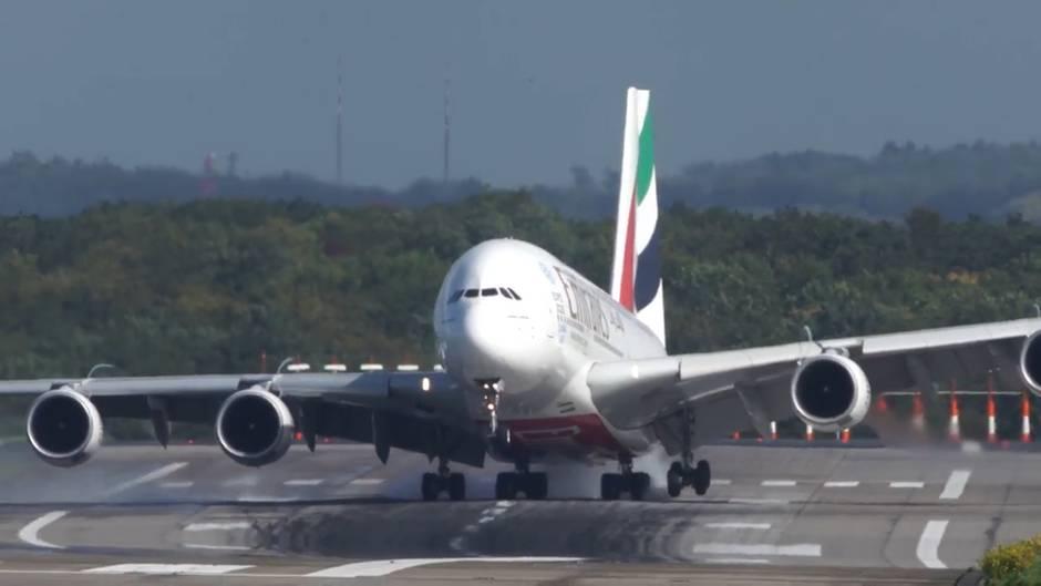 """Spektakuläres Manöver: Tief """"Xavier"""": A380 legt bei Sturm dramatische Landung hin"""
