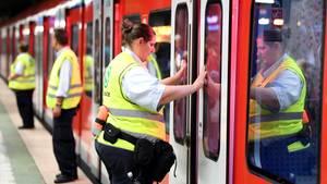 S-Bahn in Frankfurt: In Hessen können Beamte künftig kostenlos mitfahren