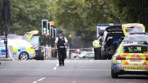 London: Ein Mann ist in eine Menschenmenge gefahren