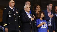 Mike Pence beim NFL-Spiel