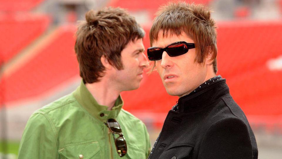 Die beiden Brüder Noel und Liam Gallagher auf einem Bild.