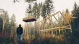 Wildnis ist kein Hindernis. Zum Aufbau benötigt man nur einen Werkzeugkasten, das Haus kommt per Hubschrauber.