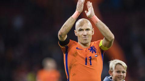Arjen Robben nach dem Spiel, hier mit einem seiner Söhne