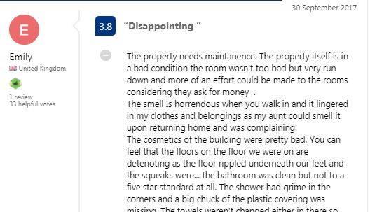 """Diese Bewertung hinterließ Emily Chance auf """"Booking.com"""""""