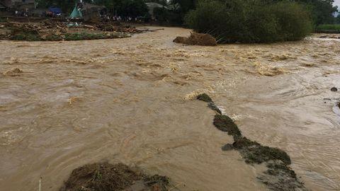 Flüsse liefen über in Vietnam, in der Provinz um Hanoi