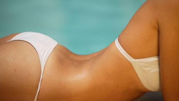 """""""Oft ist ein Push-up-BH in den Badeanzug eingelassen, der anschließend weg retuschiert wird"""""""