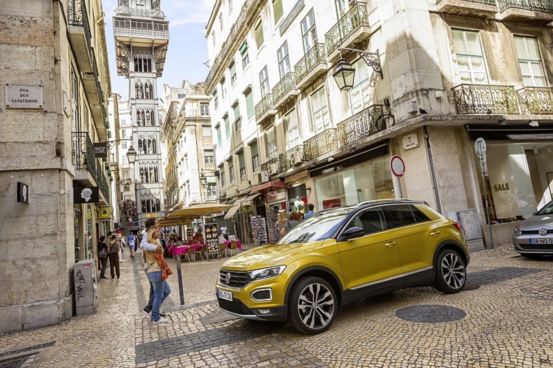 Das Topmodell VW T-Roc 2.0 TSI 4motion kostet knapp 31.000 Euro - ohne Sonderausstattungen