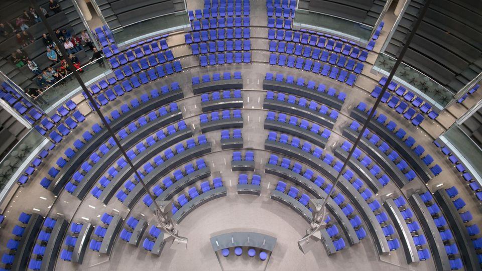 Der Plenarsaal im Bundestag. Fraktionen einigen sich auf vorläufige Sitzordnung