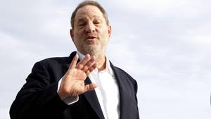 Nach den Sex-Vorwürfen gegen Harvey Weinstein erscheinen einige Passagen in Serien und Filmen in neuem Licht