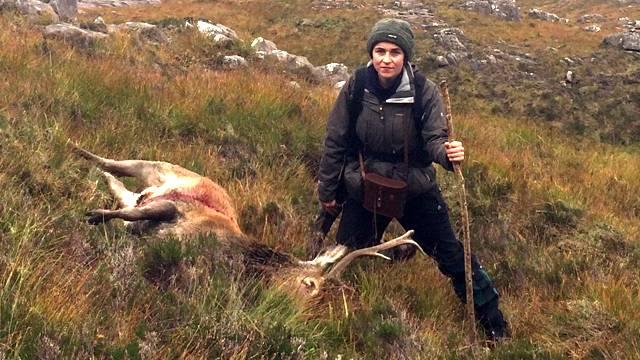 Diese Frau aß ein Jahr nur Fleisch von Tieren, die sie selbst erlegte