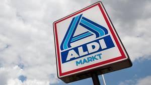 Wegen eines Salmonellen-Fundes ist die ausschließlich bei Aldi Nord verkaufte Salami Piccolini zurückgerufen worden