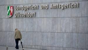 Vor dem Landgericht Düsseldorf muss sich ein Klempner wegen eines Sexualmordes verantworten