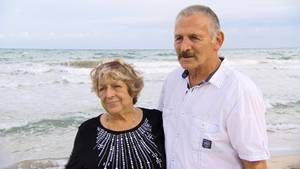 Renate (72) und Bernd Röhrer (76) am Goldstrand an Bulgariens Schwarzmeerküste.