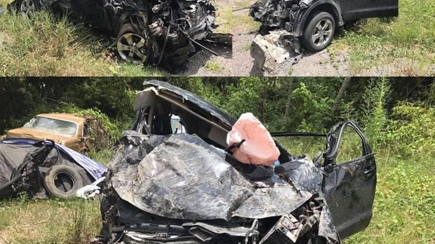 Das total zerstörte Auto nach dem Unfall