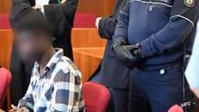 Der 31-jährige Ghanaer vor der Urteilsverkündung - im Prozess um die Vergewaltigung in der Bonner Siegaue zeigte er keine Reue